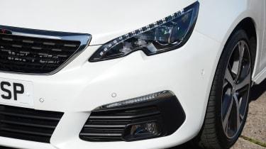 Peugeot 308 SW - front detail