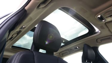 Volvo V90 Cross Country - sunroof
