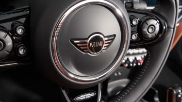 MINI Convertible - steering wheel