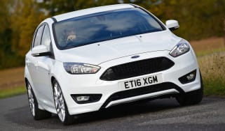 Ford Focus ST-Line - front cornering