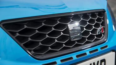 SEAT Leon Cupra 290 2016 UK - front grille