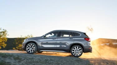 BMW X1 - side action