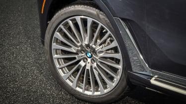 BMW X7 - wheel