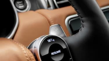 Range Rover review - steering wheel