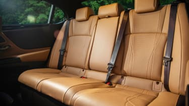 Lexus ES - rear seats
