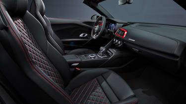 Audi R8 RWD Spyder - cabin