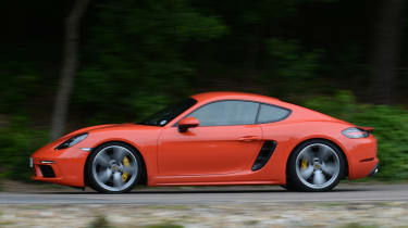 Porsche 718 Cayman 2016 - side tracking