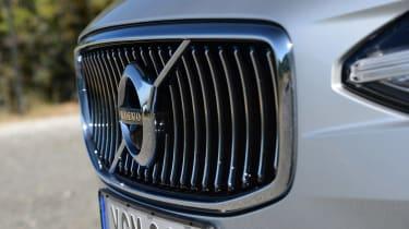 Volvo V90 - grille
