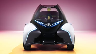 Toyota i-Tril Concept front