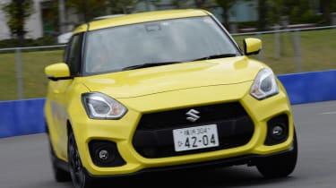 Suzuki Swift Sport - front cornering