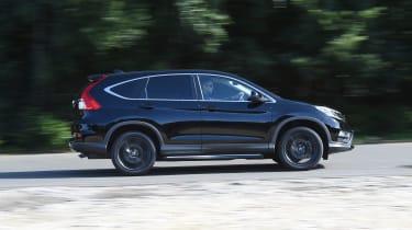 Honda CR-V Black Edition 2016 - side tracking