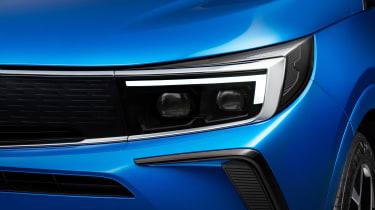 Vauxhall Grandland - front light