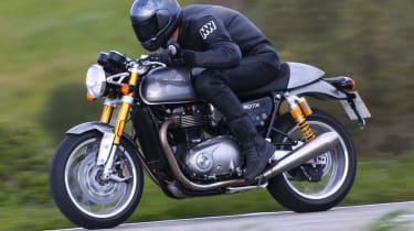Triumph Thruxton R review - speed