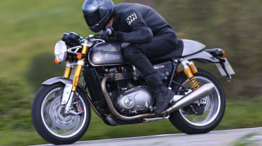 Triumph Thruxton R review - speed