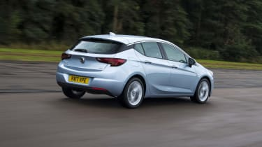 Vauxhall Astra - Rear Motion