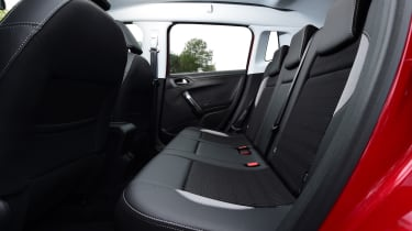 peugeot 2008 rear seat legroom