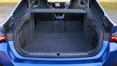 BMW i4 - boot seats down