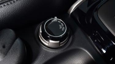 Mitsubishi L200 - interior detail