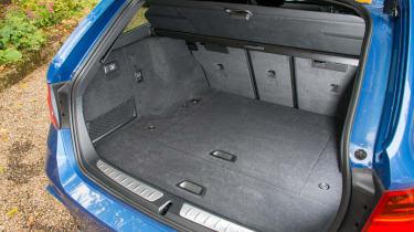 BMW 328i Touring boot