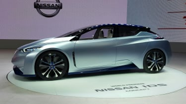 Nissan IDS concept at Tokyo Motor Show side on