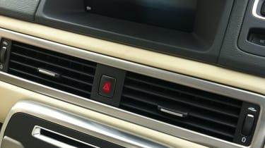 Volvo S80 Screen