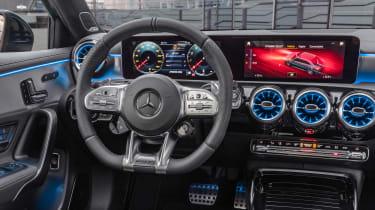 Mercedes-AMG A 35 Saloon - dash