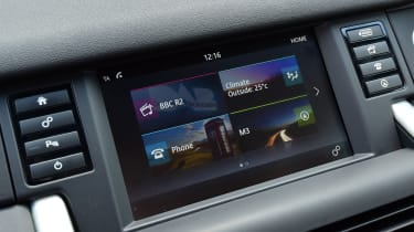 Land Rover Discovery Sport - infotainment screen