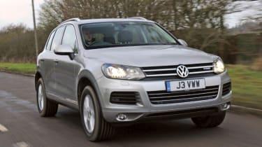 VW Touareg Hybrid front tracking
