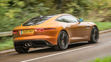 Jaguar F-Type P380 - rear action