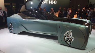 Rolls-Royce Vision Next 100 - door open reveal