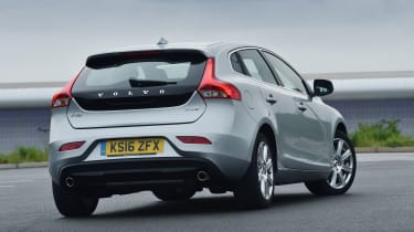 Volvo V40 2016 - rear quarter