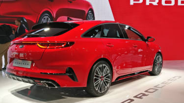 Kia ProCeed - Paris - Rear 3/4
