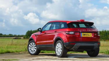 Range Rover Evoque SE Tech 2016 - rear static