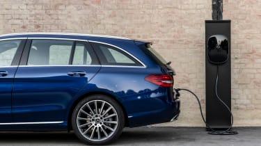 Mercedes C 300 de - charging