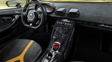 Lamborghini Huracan Performante - interior