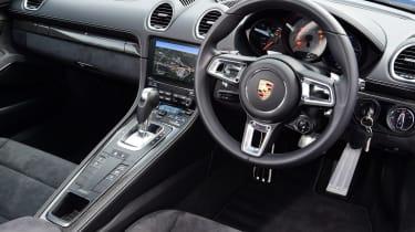 Porsche Cayman - Interior