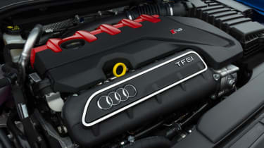 Audi RS 3 - engine