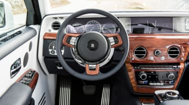 Rolls-Royce Phantom - steering wheel