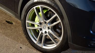 Porsche Cayenne - wheel