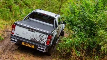 Isuzu D-Max XTR - rear cornering off-road