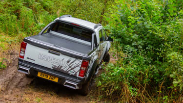 Isuzu D-Max XTR - rear cornering off-road