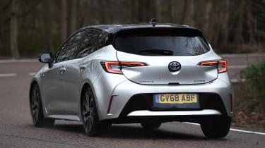 Toyota Corolla - rear cornering