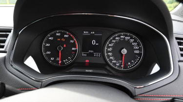 SEAT Arona - speedo