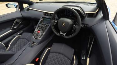 Lamborghini Aventador S Roadster - dash