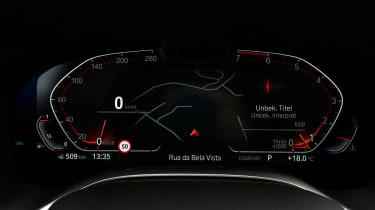 BMW 750i - dials