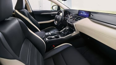 Lexus NX 300h Sport - interior