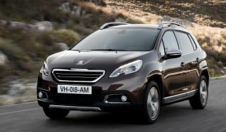 Peugeot 2008 1.6 VTi front tracking