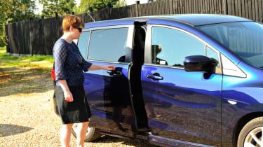 Mazda 5 sliding door