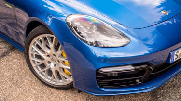 Porsche Panamera Sport Turismo 2017 review - headlight