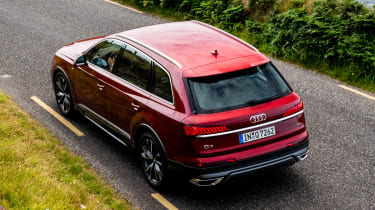 Audi Q7 55 TFSI - rear above static
